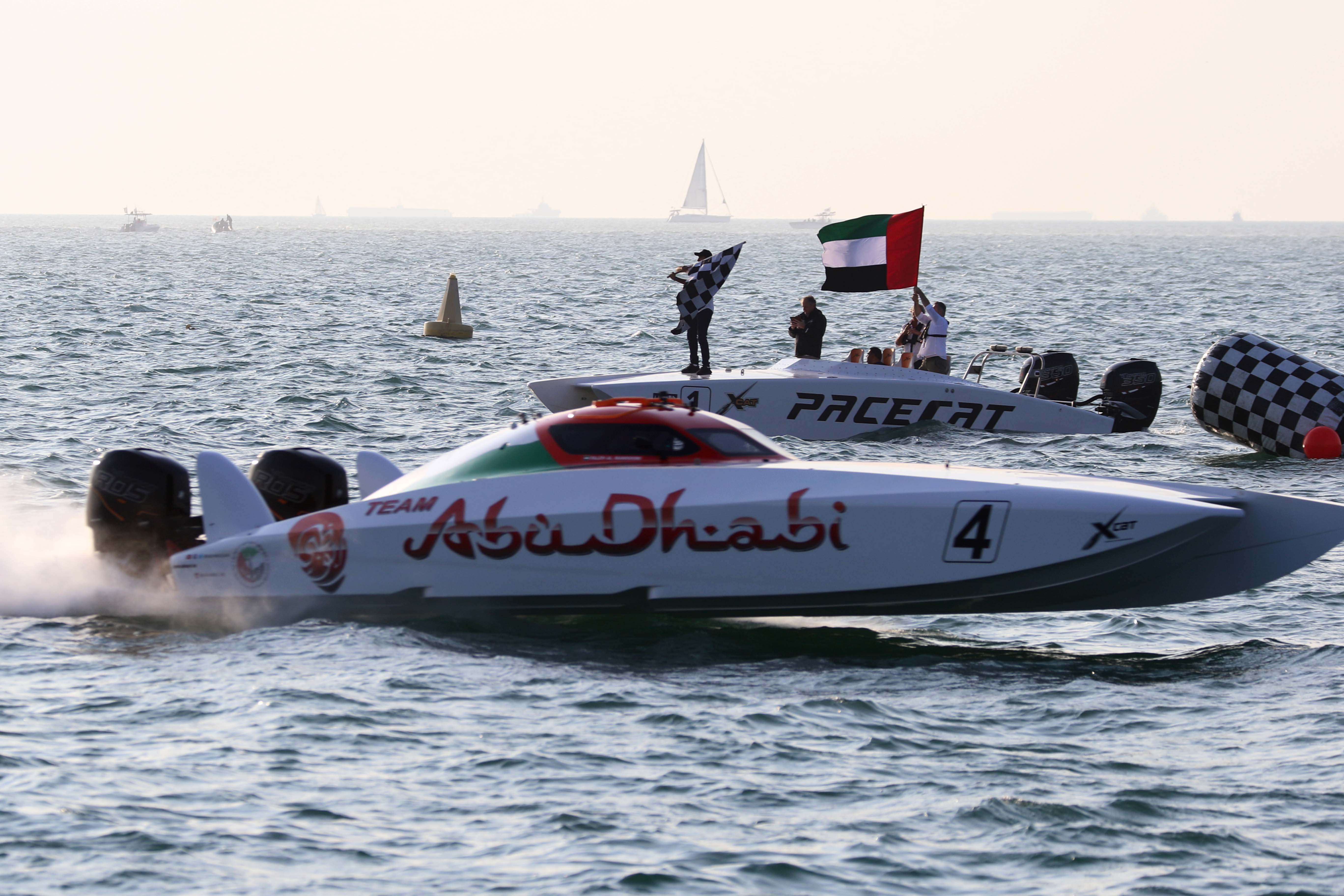 Abu Dhabi 4 wins the first race and leads the XCAT