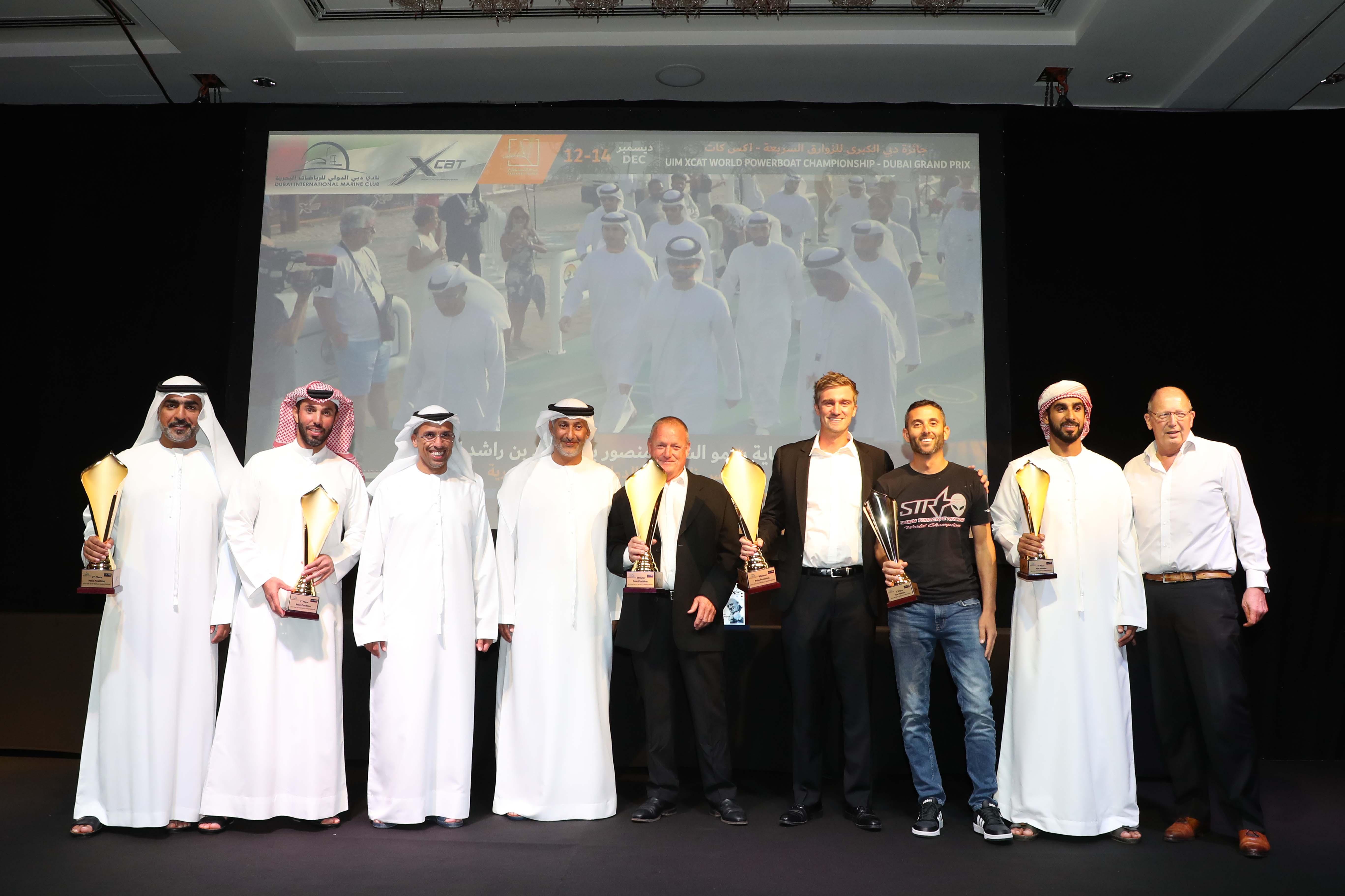 منصور بن محمد يتلقي شكر أسرة الزوارق السريعة العالمية