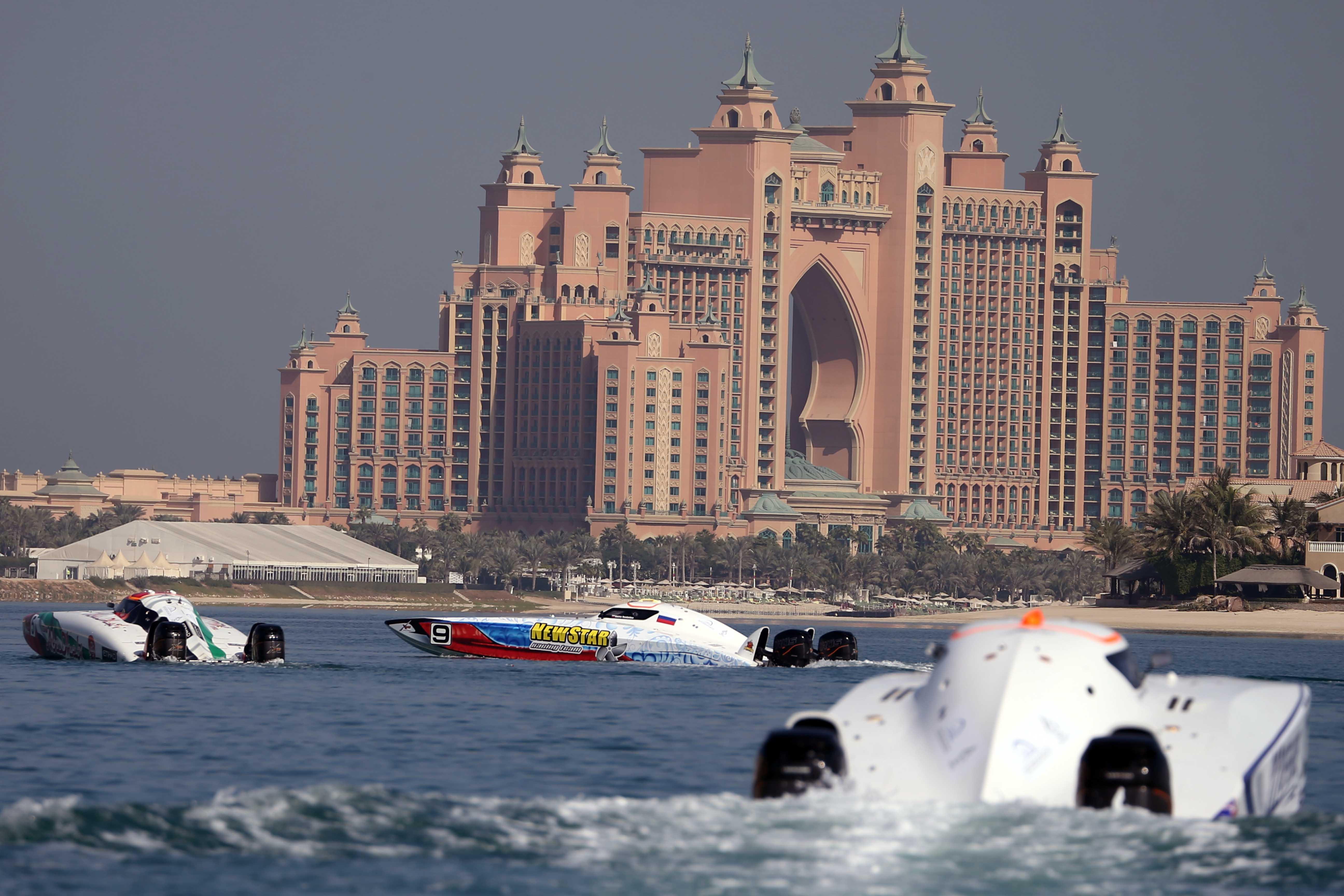 Early preparations for the Dubai XCAT Powerboat GrandPrix 2019