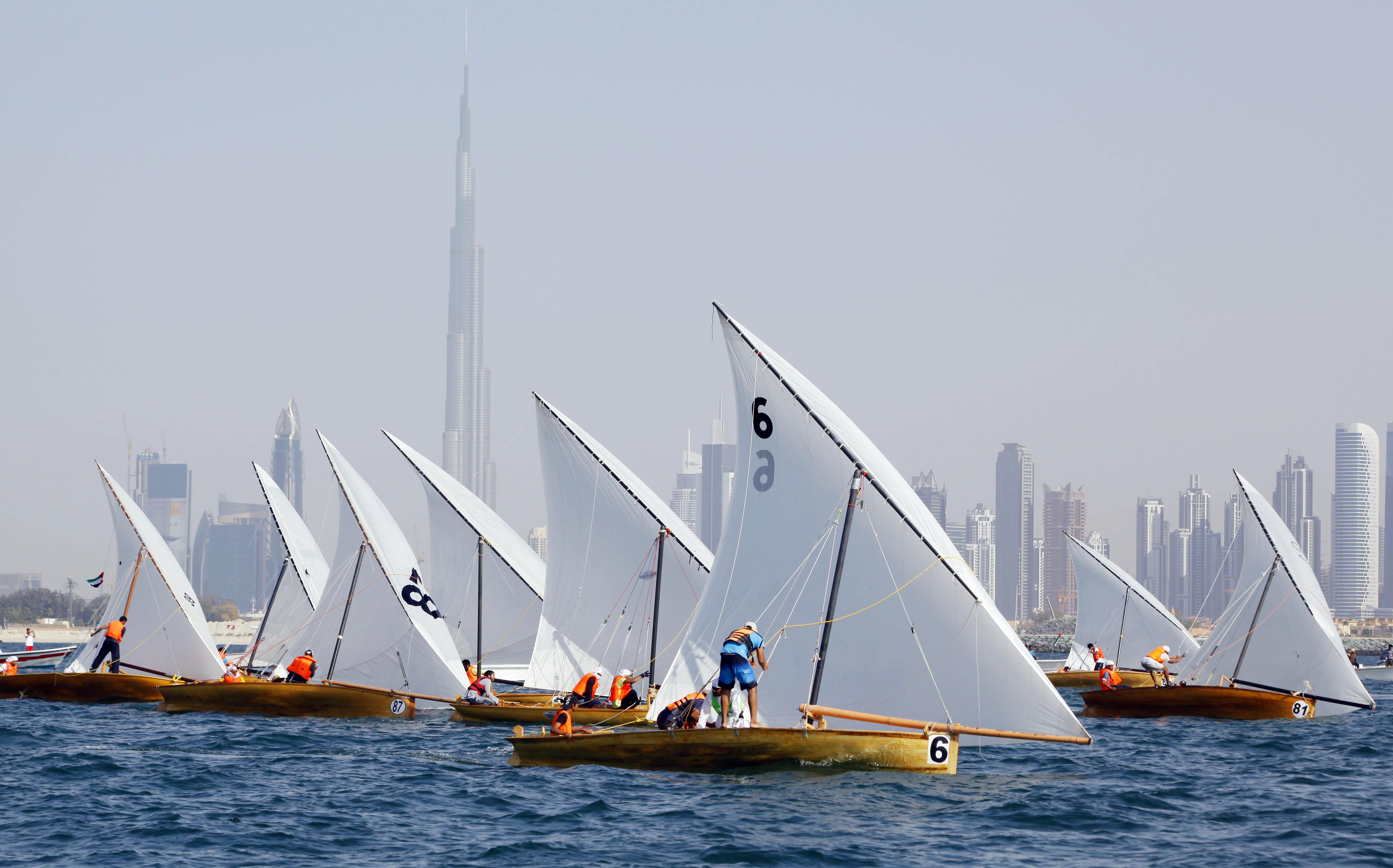 22ft Dubai Traditional Dhow Sailing Race Today (Jumeirah Beach)