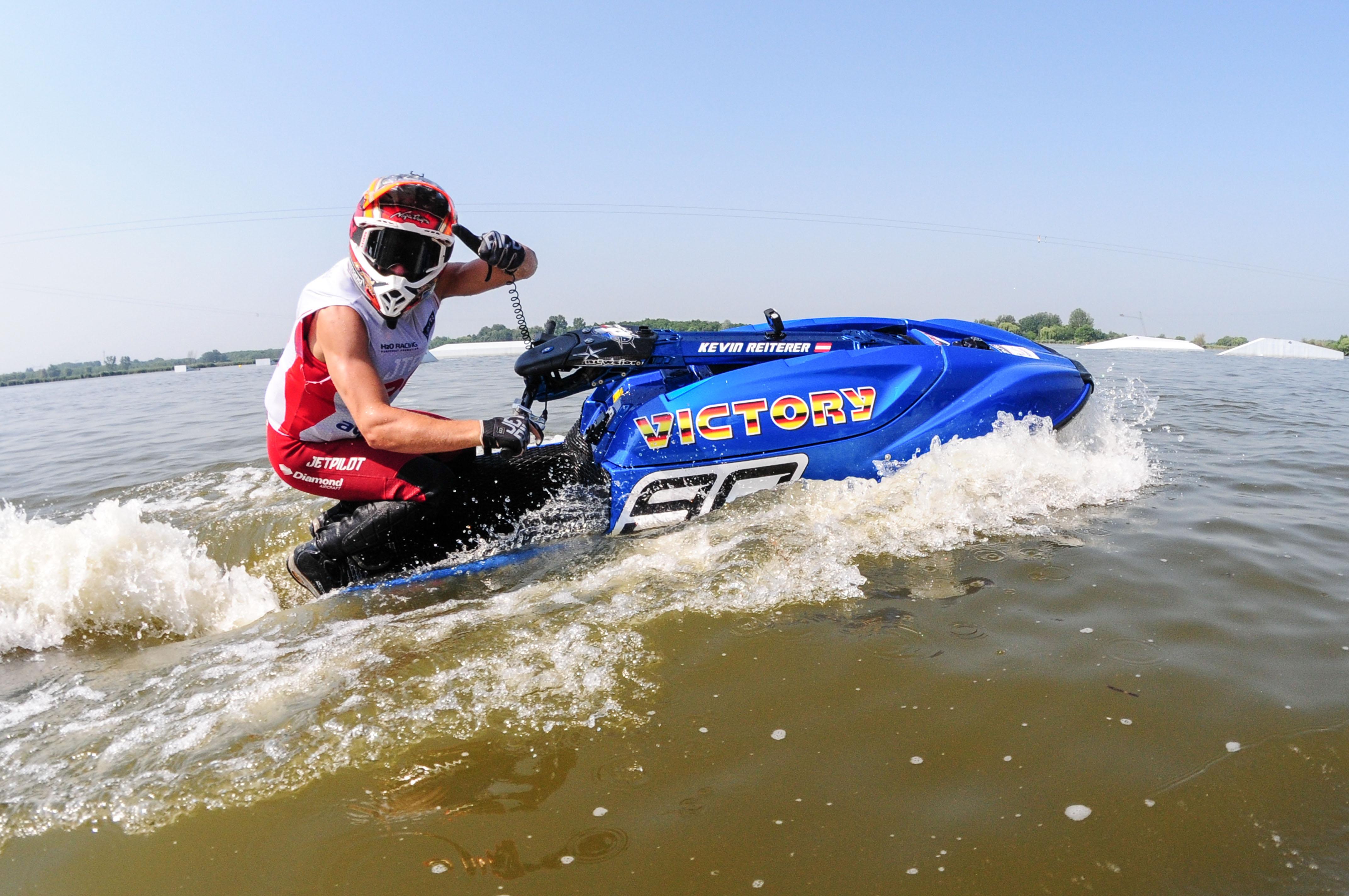 Victory Team Participates in Aquabike World Championship